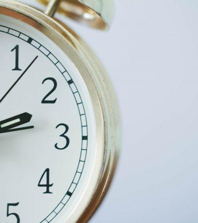 7 Cara Membagi Waktu Belajar di Rumah
