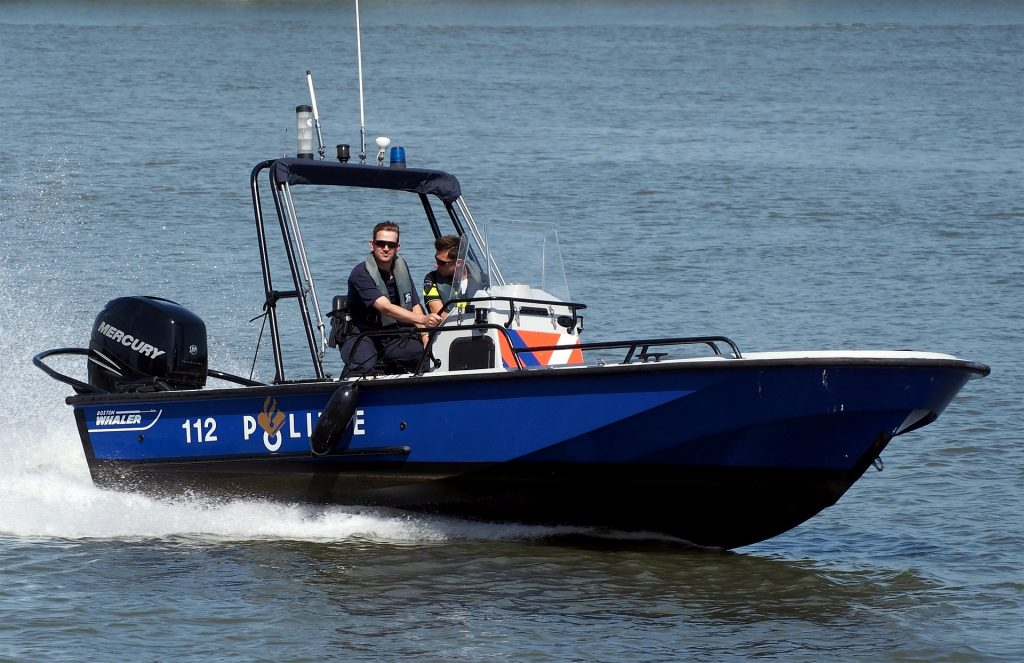 speed boat 938407 1920