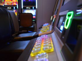 Why You Should Play Online Slot in HOYE55?